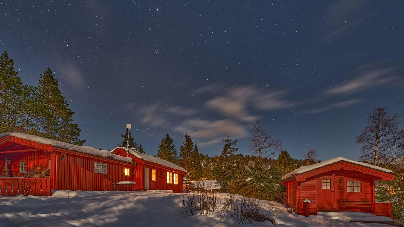 Nattbilde av hytta